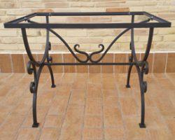 Basi in ferro per tavoli
