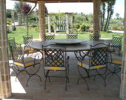Complementi d'arredo per giardino in ferro forgiato e in fusione