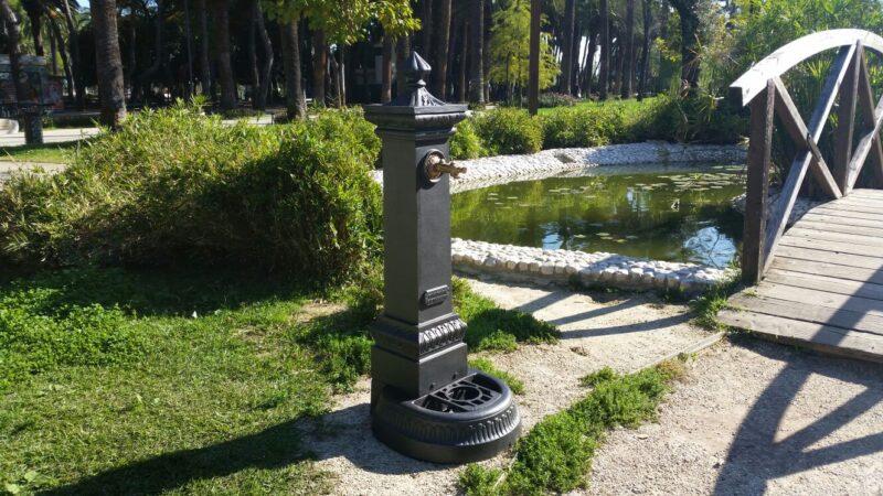 Fontana a colonna in ghisa modello Milano h125