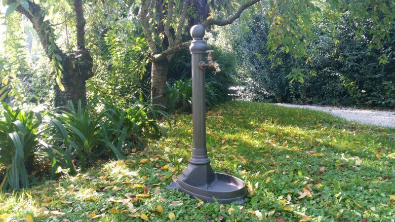 Fontana modello Leoncino con vasca bassa