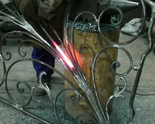 Lavorazione di ferro e altri metalli