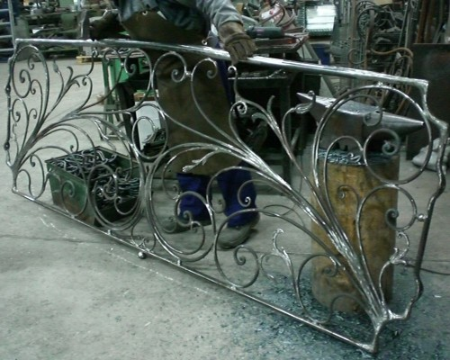 Lavorazione ringhiera in ferro su disegno