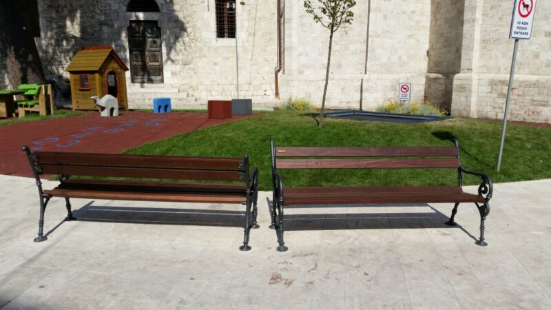 Panchina modello Vienna