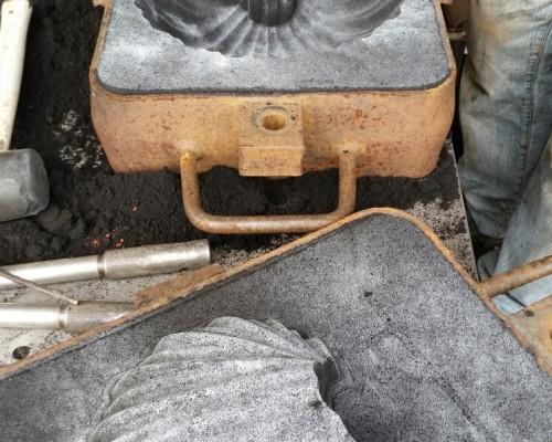Articoli in metallo fusi in terra