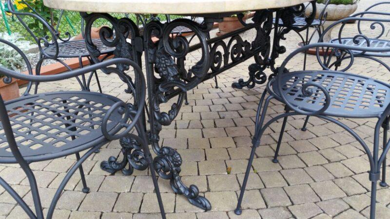 Base tavolo in ghisa modello Uva 135