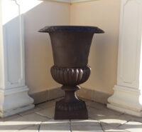 Vaso in ghisa mod. Urna cm 67h